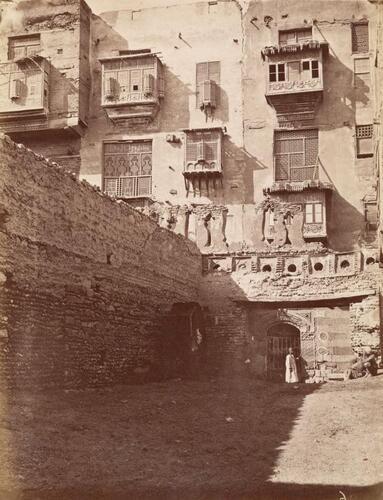 Traces de l'enceinte extérieure de la mosquée ibn Tulun