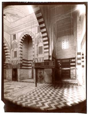 Intérieur de la mosquée Qaytbay etdikka