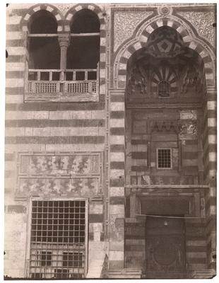 Portail principal du mausolée de Qaytbay (cimetière nord)
