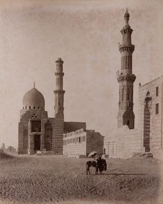 Complexe funéraire de Qurqumas et minaret de la mosquée Inal, s. d., bibliothèque de l'INHA, Raccolta artistica..., 1887, f° 36.