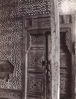 Porte en bois sculpté de la khanqah Farag ibn Barquq