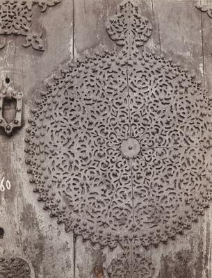 Détail du décor de la porte principale du mausolée de Qaytbay